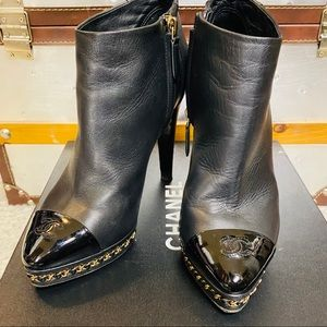 Chanel Black lambskin leather chain booties